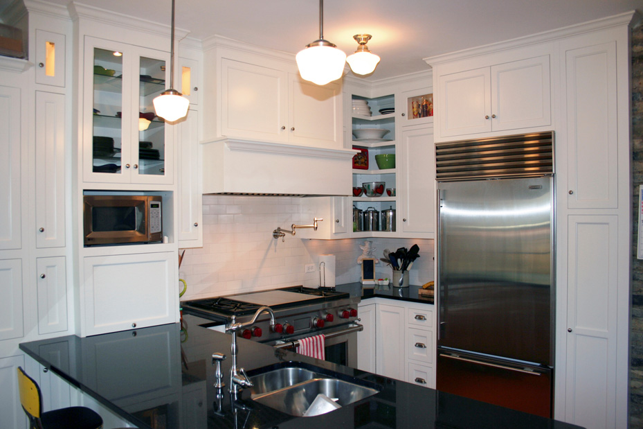 Kitchen Remodel In St Paul Mn With Custom Enameled Cabinetry Granite Countertops And Built